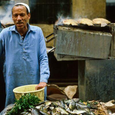 Gegrillte Fische am Markt – Ägypten, Alexandria – April 1984