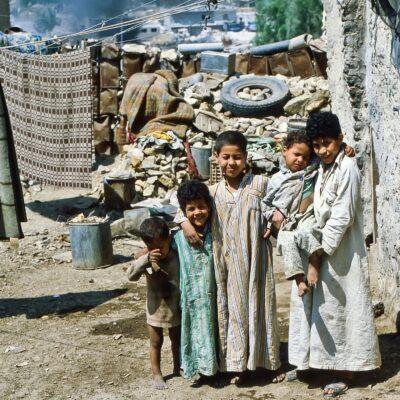 Diese fünf Knaben gehören zusammen – Ägypten, Kairo – April 1984