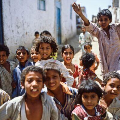 Lautstarke Kinderbegleitung – Ägypten, Assuan – Mai 1984
