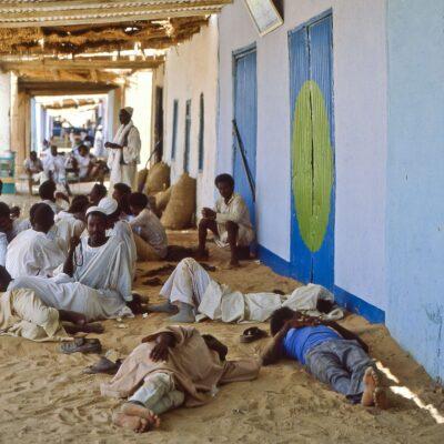 Warten auf Zugsabfahrt – Sudan, Wadi Halfa – Mai 1984