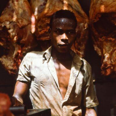 Offener, ungekühlter Fleischmarkt bei über 41°C – Sudan, Omdurman – Mai 1984