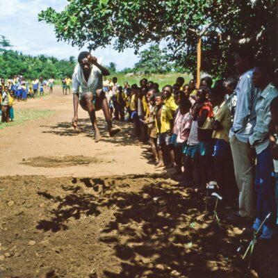 Weitsprung auf einfache Art – Kenia, Gazi – Juli 1984