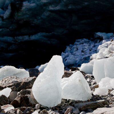 Eisschutt in Gletscherbucht – Morteratschgletscher – 2. Oktober 2011