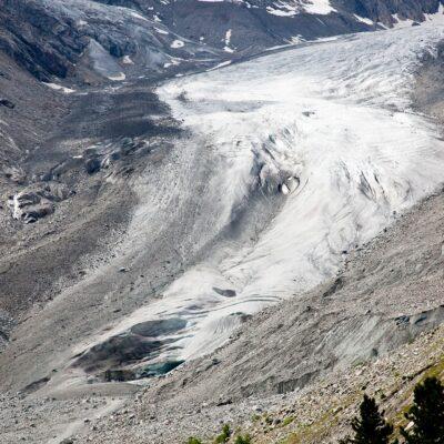 Noch überfließt der Gletscher die Talstufe – Morteratschgletscher – 5. Juli 2010