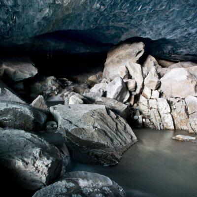 Geröll und Wasserläufe im Gletscher – Morteratschgletscher – 13. November 2020