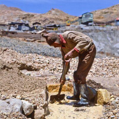 Erzsuche im Abraum der Mine – Bolivien, Potosi – November 1984