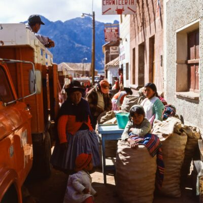 Lastwagentransport zum Markt – Bolivien, Betanzos – November 1984