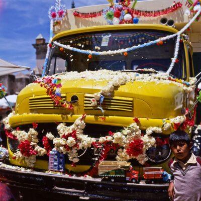 Bereit für die Lastwagensegnung – Bolivien, Santiago de Copacabana – Dezember 1984