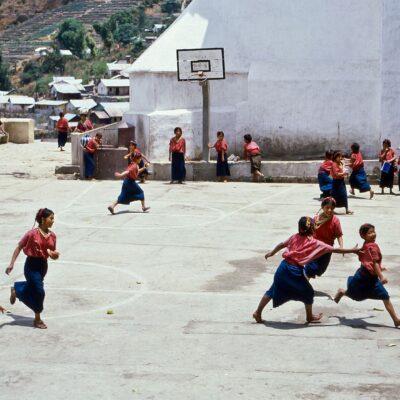 Ausgelassenes Spielen – Guatemala, San Antonio Palopó – April 1985