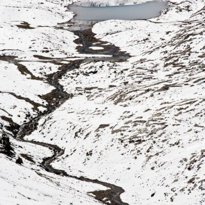 Bach trotzt dem Schnee – Val Languard – 16. Juli 2008